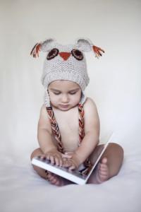 Baykuş şapkalı bebek fotoğrafı