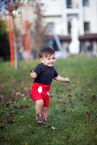 Mickey Fare kostümlü bebek fotoğrafı