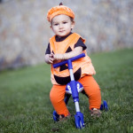 Bal kabak kostümlü bebek fotoğrafı