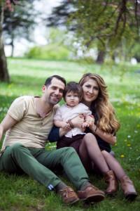 Çimenlerde Aile fotoğrafı