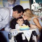 Derin bebek pasta patlatma fotoğrafı