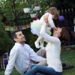1 yaş doğum günü aile fotoğrafı