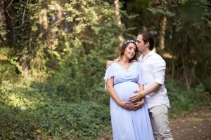 Dış çekim hamile fotoğrafı