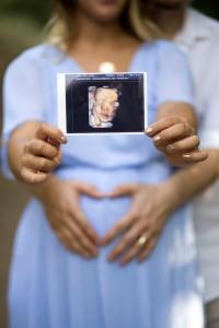 Hamile anne ve ultrason fotoğrafı