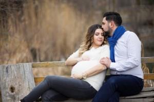 Bebek beklerken hamile fotoğrafı