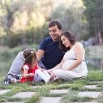Bebek beklerken aile fotoğrafı