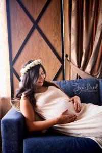 Taçlı anne hamile fotoğrafı