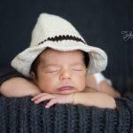 Şapkalı bebek fotoğrafı