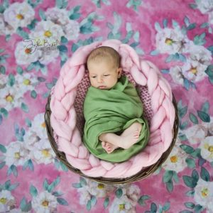 Sepette bebek fotoğrafı