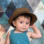 Tatlı bakışlı erkek çocuk fotoğrafı