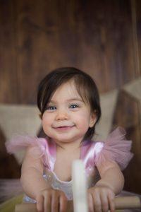 1 yaş güzel kız çocuk fotoğrafı
