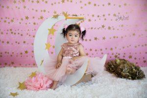 pembe 1 yaş kız çocuk fotoğrafı